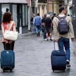 ヴェネツィアではスーツケース車輪音を禁止へ。